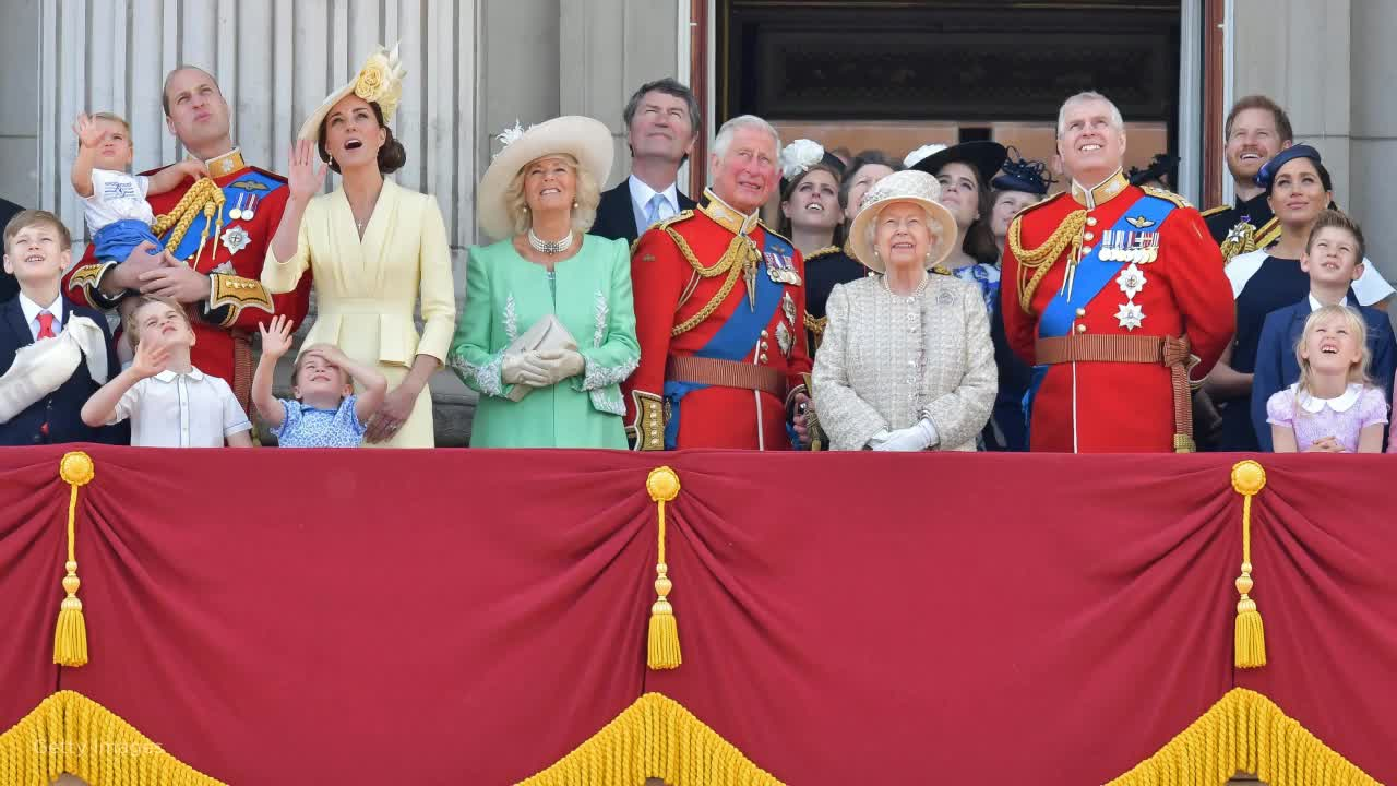 Queen Elizabeth speaks out on Meghan, Harry's royal split: 'These are complex matters'