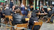 Il Regno Unito riapre: pub e negozi rialzano le serrande