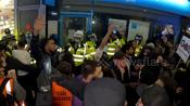 Pro-Palestinian protesters attack police following London incident in streets
