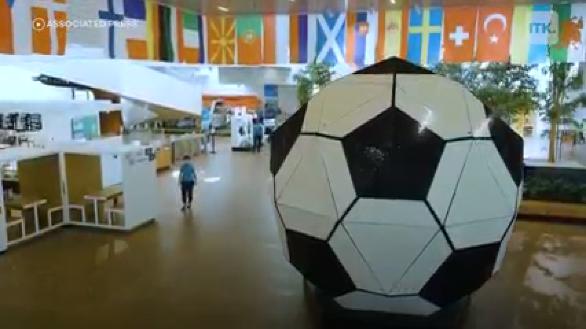丹麥的樂高之家打造出世界最大的足球
